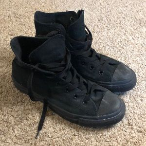 Black on black converse hi tops
